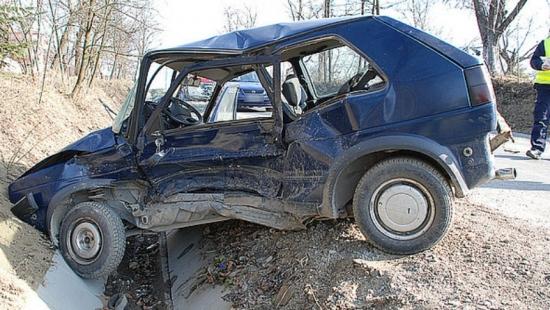 Wypadek w Bieździadce – ranne dwie osoby (ZDJĘCIA)