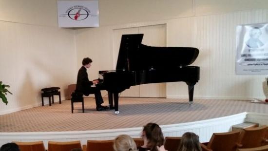 Sanoccy muzycy na podium podczas Międzynarodowego Festiwalu Muzyki Fortepianowej (ZDJĘCIA)