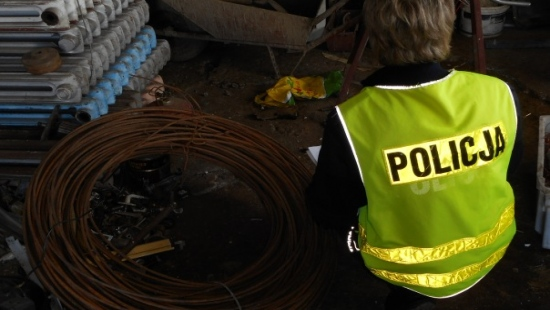 25-latek ukradł 100 kg drutu wartego 2 tysiące