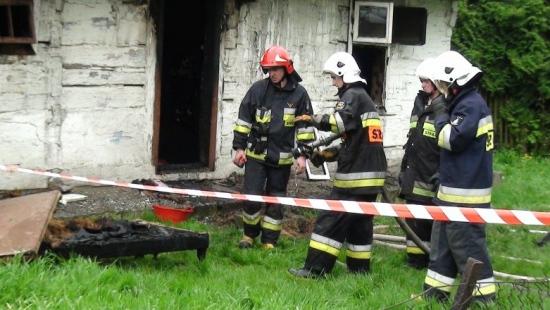 Dom spłonął doszczętnie po zwarciu instalacji elektrycznej (ZDJĘCIA)