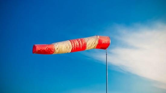 IMGW: Znów będzie wiało. W porywach nawet do 80 km/h