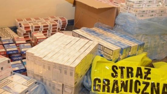 Rozbita grupa przestępcza handlująca papierosami z przemytu (ZDJĘCIA)