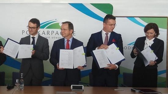 """Budowa """"ekspresówki"""" S19 z Babicy do Barwinka staje się faktem. Via Carpathia jest strategiczną inwestycją w skali kraju (FILM, ZDJĘCIA)"""