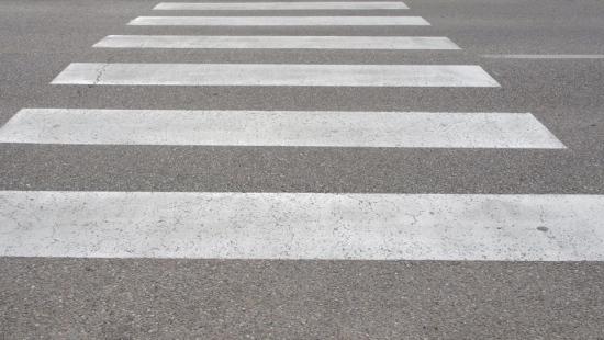 """""""Niechronieni uczestnicy ruchu drogowego"""". Piesi i rowerzyści pod lupą policji"""