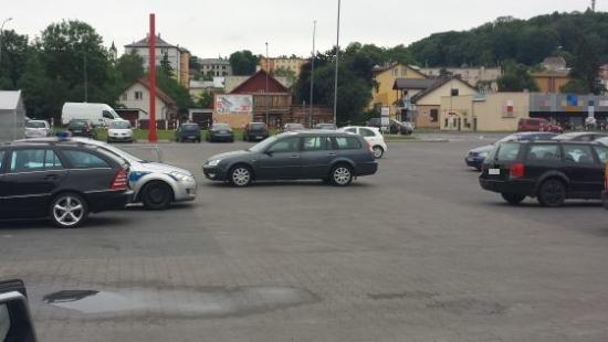 """PARKOWANIE PO SANOCKU: Przyznajemy tytuł ,,Mistrza Parkowania""""! (ZDJĘCIA)"""