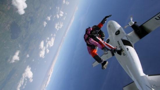 Skoki spadochronowe na lotnisku RZESZÓW – JASIONKA każdego dnia!