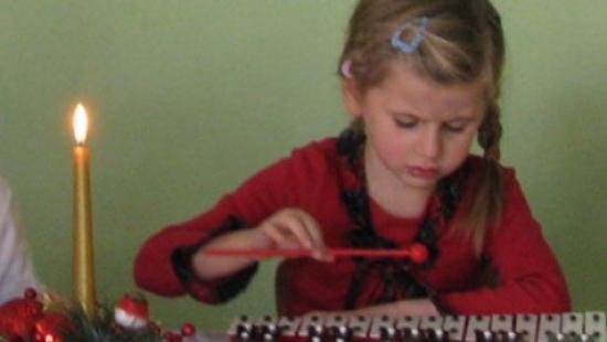 Świąteczne życzenia od sanockich przedszkolaków (FILM)
