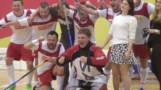 Interq obroniło mistrzostwo Sanockiej Ligi Unihokeja! Drugie miejsce dla Esanok.pl. Brąz dla Sokoła (FILM)