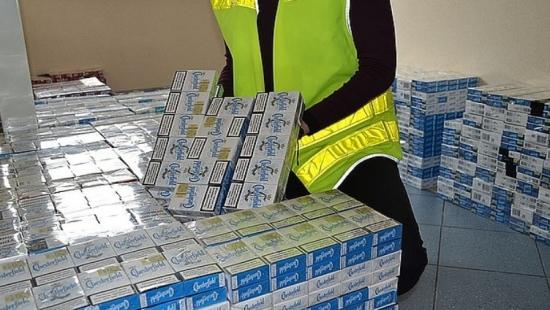 Zabezpieczyli blisko 7 tys. paczek nielegalnych papierosów (ZDJĘCIA)