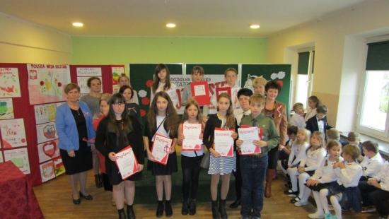 Młodzi patrioci recytowali polską poezję (ZDJĘCIA)