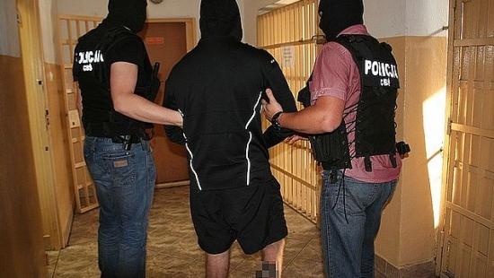 AKTUALIZACJA: CBŚ rozbiło sanocką grupę przestępczą. 14 osób zatrzymanych za przemyt i handel narkotykami (FILM, ZDJĘCIA)