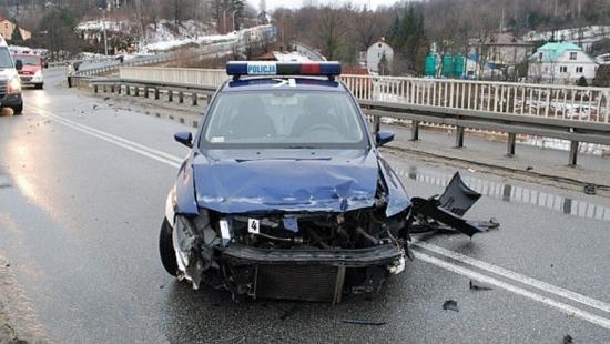 Policjant ranny podczas pościgu