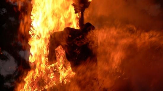 Dwa pożary domów w trzy dni. Nie żyje 55-latek z Lisznej. Papieros przyczyną tragedii?