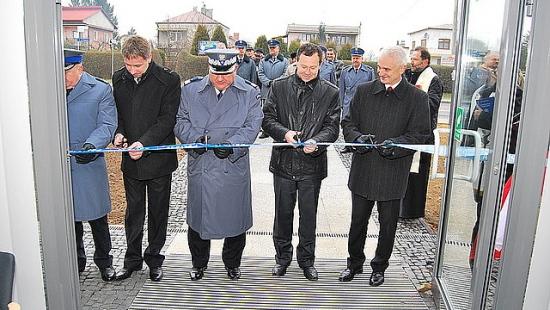 Za milion złotych wyremontowano komisariat policji w Boguchwale (ZDJĘCIA)