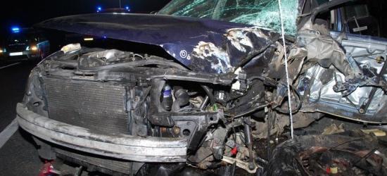 """""""Czołówka"""" samochodu osobowego z ciężarówką. Kierowcy w szpitalu (ZDJĘCIA)"""