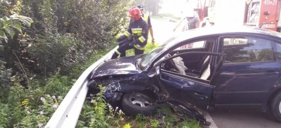 Wypadek we Wzdowie. Dwie osoby ranne (ZDJĘCIA)