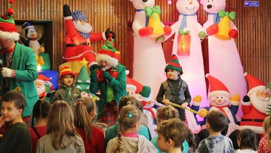 """,,Karnawałowe przygody Elfa"""" w Jasielskim Domu Kultury (ZDJĘCIA)"""