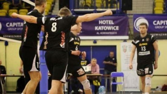 TSV pokonuje Neobus Niebylec 3:1 w meczu na szczycie II ligi. Sanoczanie dominatorami! (FILM, RETRANSMISJA)