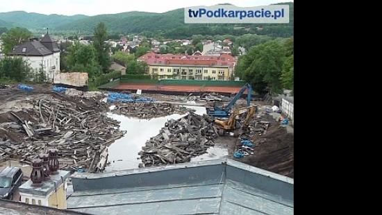 Rozbiórka Torsanu dobiega końca. Sporu o lodowisko ciąg dalszy (FILM)