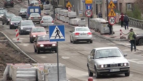 W listopadzie zakończenie inwestycji w centrum miasta. Radny apeluje do policji o pobłażliwość dla kierowców (FILM)