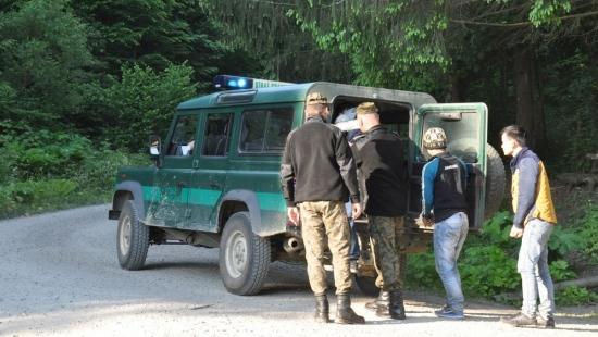 Dwie grupy nielegalnych imigrantów zatrzymane w Bieszczadach (ZDJĘCIA)