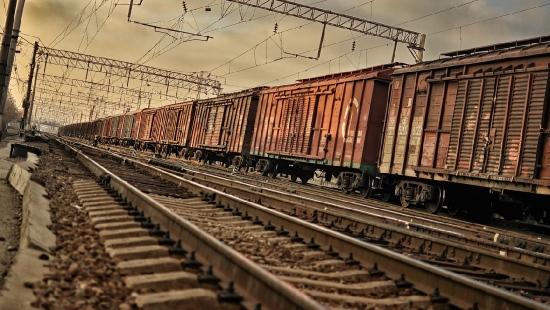 Pociągi towarowe w Bieszczadach:  gaśnie światełko w tunelu?