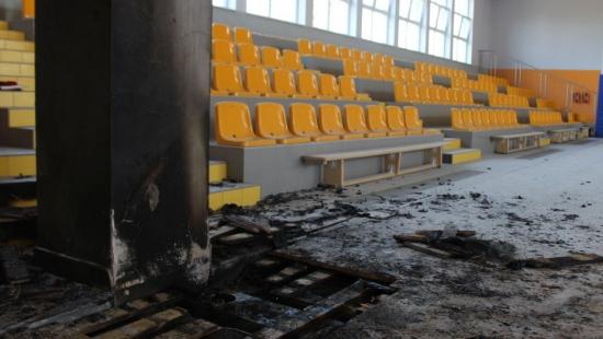 Nowa hala sportowa wybudowana za grube miliony, nie posiada systemu PPOŻ (FILM)