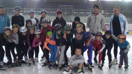 Szkoła łyżwiarstwa i dobrych manier. Młodzi zawodnicy Górnika trenowali z reprezentantem Polski (FILM)