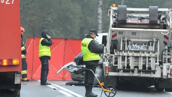 3 ofiary śmiertelne po wypadku w Zagórzu. Droga całkowicie zablokowana (ZDJĘCIA)