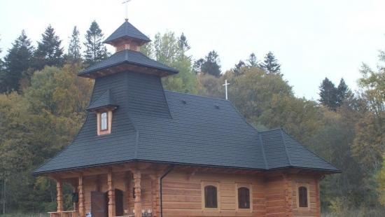 Perełka górskiej architektury. Kościółek w Mucznem poświęcony (ZDJĘCIA)