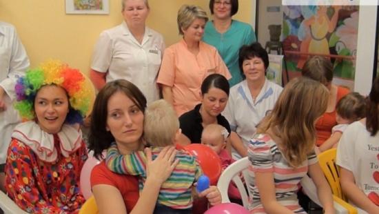 Wróżki pomagają chorym dzieciom. Oddział dziecięcy brzozowskiego szpitala zachwyca małych pacjentów (FILM)