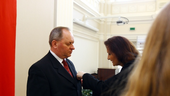 """Medale """"Zasłużony Kulturze Gloria Artis"""" dla Orkiestry Dętej oraz dyrektora GOK z Miejsca Piastowego (ZDJĘCIA)"""