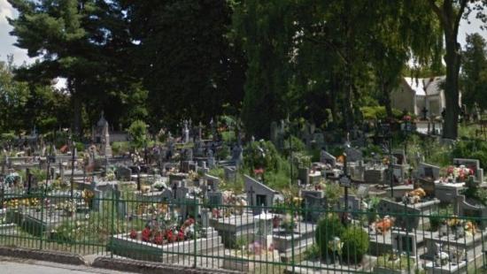 Kradł na cmentarzu. Pieniądze wydał na alkohol