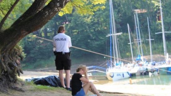 BIESZCZADY: Z Jeziora Solińskiego wyłowiono ciało 27-latka. To druga ofiara wody podczas tegorocznych wakacji (ZDJĘCIA INTERNAUTY)