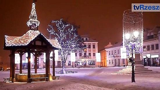 tvRzeszow.pl : Rynek w Rzeszowie w świątecznej szacie (FILM)