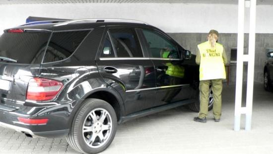 Osiem pojazdów zatrzymanych przez funkcjonariuszy bieszczadzkiej Straży Granicznej (ZDJĘCIA)