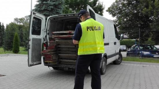 Podejrzani o kradzież rusztowań zatrzymani przez policjantów