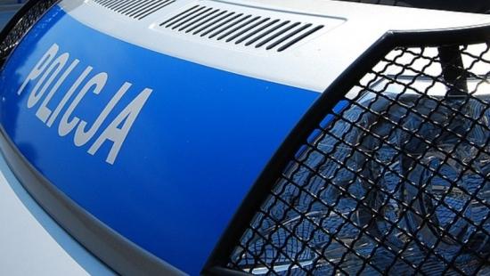 Pijany kierowca uciekając potrącił policjanta