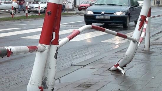 SANOK: Niebezpieczna Lipińskiego znów w centrum uwagi. Niewidoczne przejścia dla pieszych (FILM)