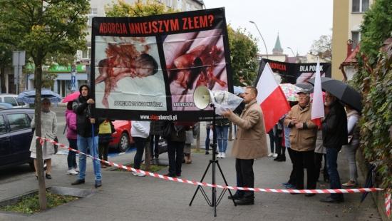 """""""Bronimy życia i pokazujemy prawdę"""". """"Walczymy o prawa kobiet"""". Dwie demonstracje i skrajne punkty widzenia (FILM, ZDJĘCIA)"""