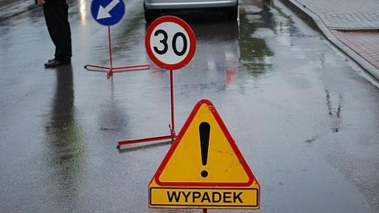 LESKO24.PL: Śmiertelny wypadek w Hoczwi. Droga jest zablokowana