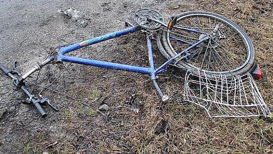 Rowerzysta zginął na miejscu (ZDJĘCIA)