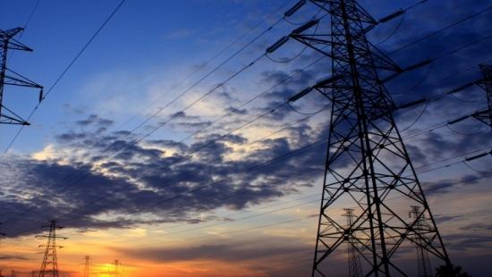 Blisko 700 osób bez prądu. Trwa usuwanie awarii po burzy