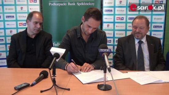 Kontrakt podpisany. Wolski oficjalnie zawodnikiem KH Sanok (VIDEO HD)