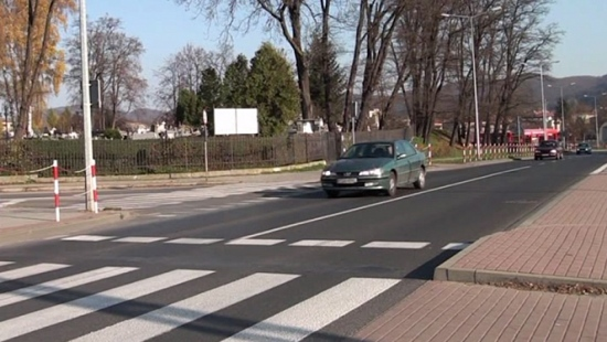 """Akcja """"Znicz 2013″: Wzmożone patrole policji na cmentarzach (FILM)"""