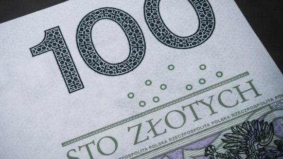 Nieznajoma pytała o zdrowie i emeryturę, a później ukradła prawie 3 tys. zł