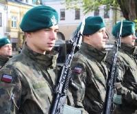 """Kolejnych 380 żołnierzy OT złożyło przysięgę na krośnieńskim Rynku. """"Zawsze gotowi i zawsze blisko""""! (FILM, ZDJĘCIA)"""
