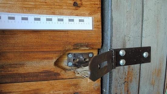 Dwaj nieletni i 31-latek sprawcami włamań i kradzieży w Bieszczadach