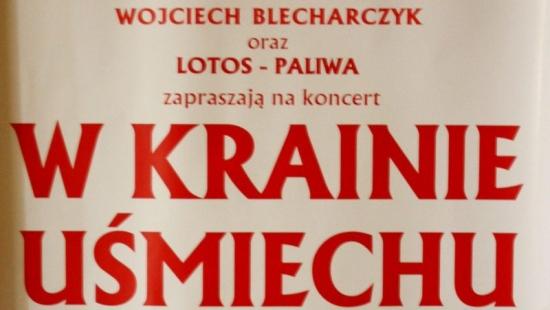 """Gwiazdy polskiej opery na scenie Sanockiego Domu Kultury podczas koncertu ,,W krainie uśmiechu"""""""