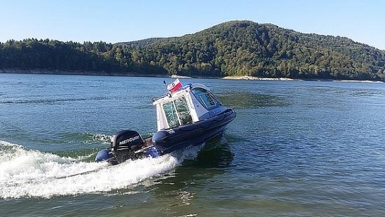 Szybsza i sprawniejsza pomoc. Na Jeziorze Solińskim pojawiły się nowe łodzie patrolowe (ZDJĘCIA)